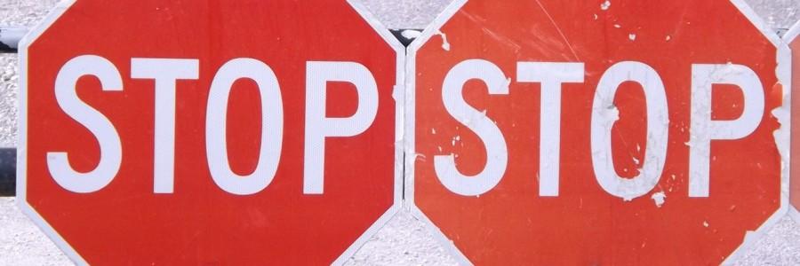 stop-499309_1280